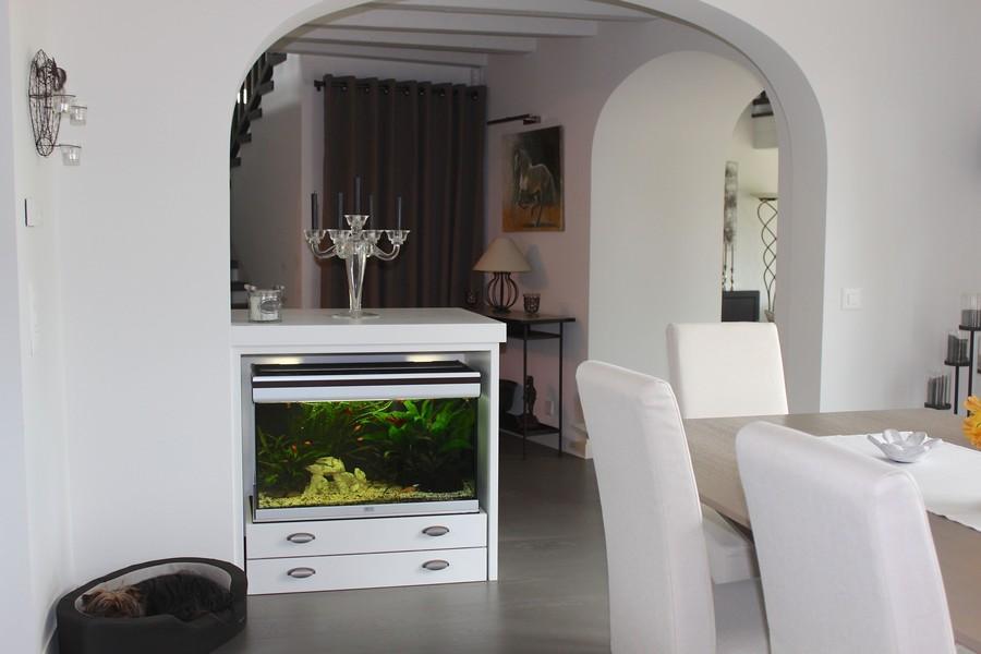 salle-a-manger-apres-meuble-sur-mesure-pour-aquarium